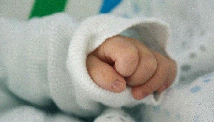 FIR filed against Karachi hospital for administering wrong dosage of medicine to infant