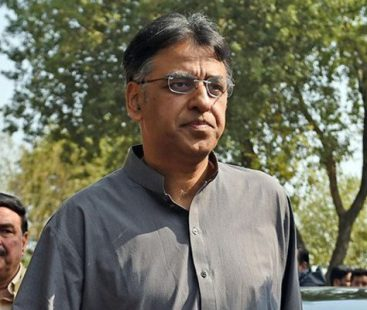 Govt refutes reports of Asad Umar's removal, major changes in cabinet