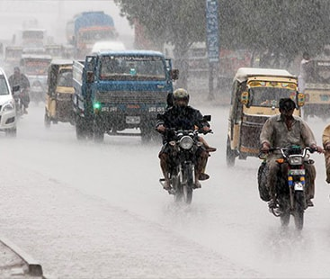 Life paralysed as heavy rain pounds Karachi