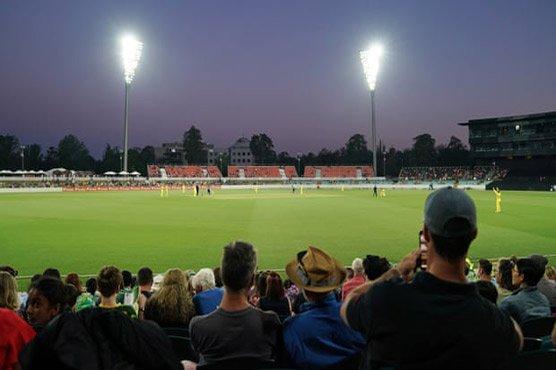 Pak v Aus second T20: Australia beat Pakistan by 7 wickets