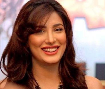 Mehwish Hayat's piquant message for baby girl draws funny memes