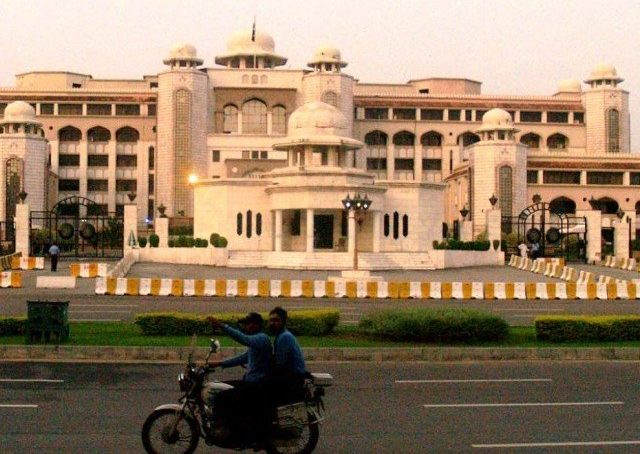 Panel recommends 100% salary increase for Secretariat employees