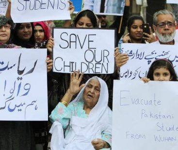 Families of Pakistanis stuck in China demand students' return