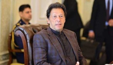 PM Imran earmarks Rs200bn for laborers after coronavirus crisis
