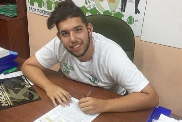 Coronavirus kills 21-year-old Spanish football coach Francisco Garcia