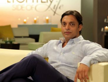 PCB's legal adviser Tafazzul Rizvi sues Shoaib Akhtar for calling him 'inept person of highest order'