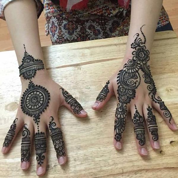 mehendi-design-till-wrist