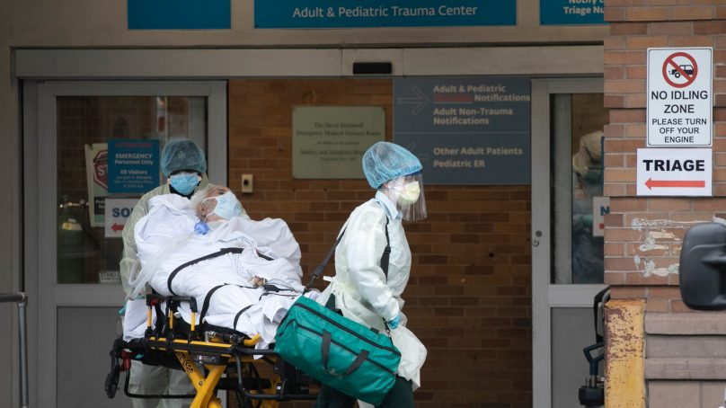 COVID-19 death toll in US tops 100,000