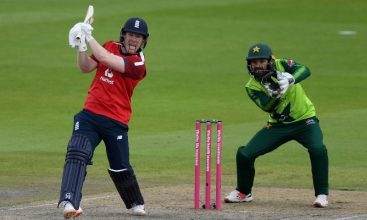 Eoin Morgan drives England to record chase victory over Pakistan