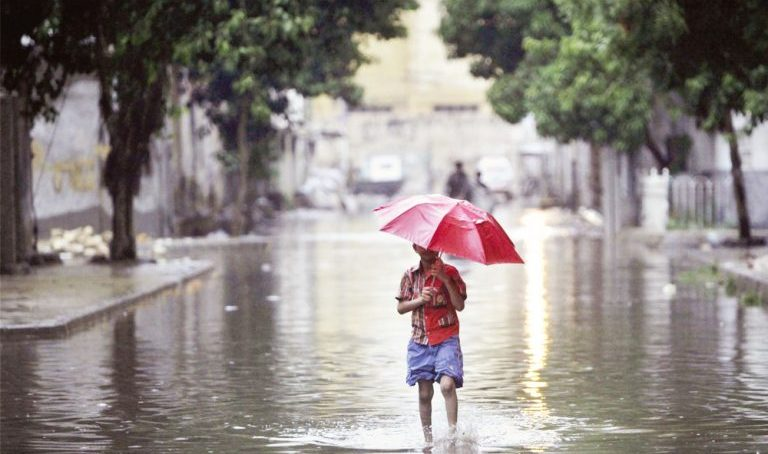 heavy monsoon rains in karachi 768x461 768x454
