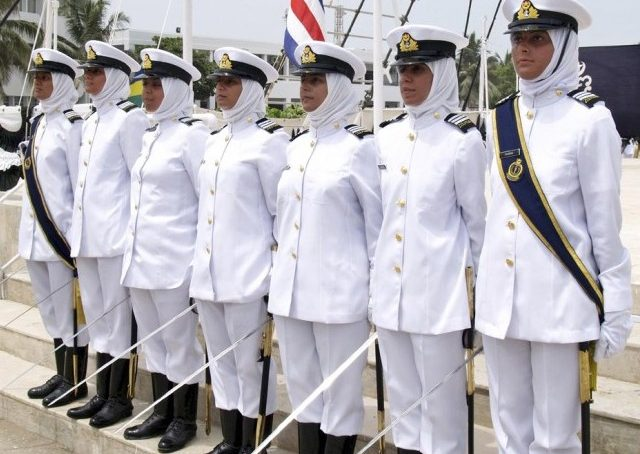 navy 640x454