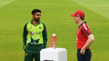 Pakistan team to tour England in 2021