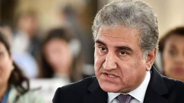 India conspires to damage CPEC: Qureshi