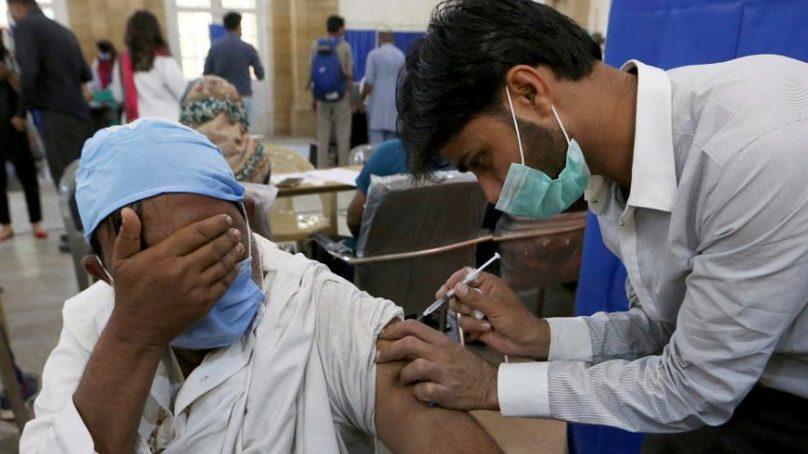 101928_Pakistanvaccine_1616755406974 808x454